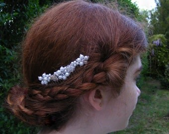 Wedding head piece, bridal veil comb, hair ornament, beads, glass crystals, off white, ivory