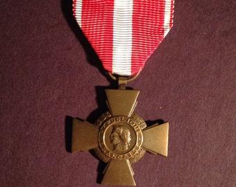 Military medal france french croix de la valeur militaire cross of valor