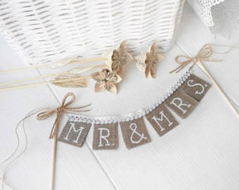 Rustic Mr & Mrs Wedding cake  topper, shabby chic, vintage style, Cake Topper Rustic Wedding Burlap Sign