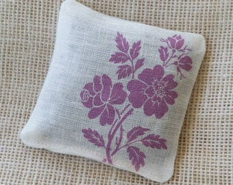 Lavender sachet, vintage rose, purple flower, friend gift, lavender buds, potpourri sachet, gift under 10