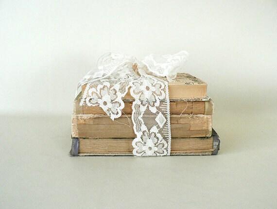 Decorative vintage book display - Decorative books for display ...