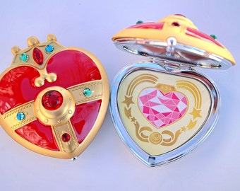 Sailor Moon S Cosmic Heart Compact Brooch Locket Cosplay Doll PROP