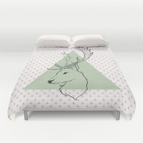 Hipster Hirsch Bettbezug weiß rosa Minze grün von MonochromeStudio