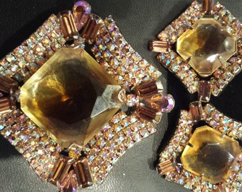 beautiful amber and goldtone iridescent brooch and earring set