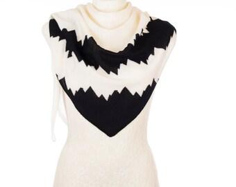 Wool triangle fashion scarf