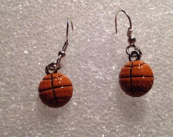 Earrings Basketball, Earring Dangle Basketball, Sports Mom Earrings, Earrings Sports Fan, Basketball Dangle Earrings, Basketball Earrings