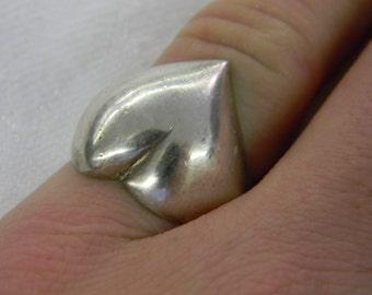 Sterling Silver 925 Gorgeous Large Hear Band Ring Size 8 #5956