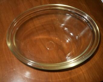 Oval pyrex casserole bowl 8 x 10