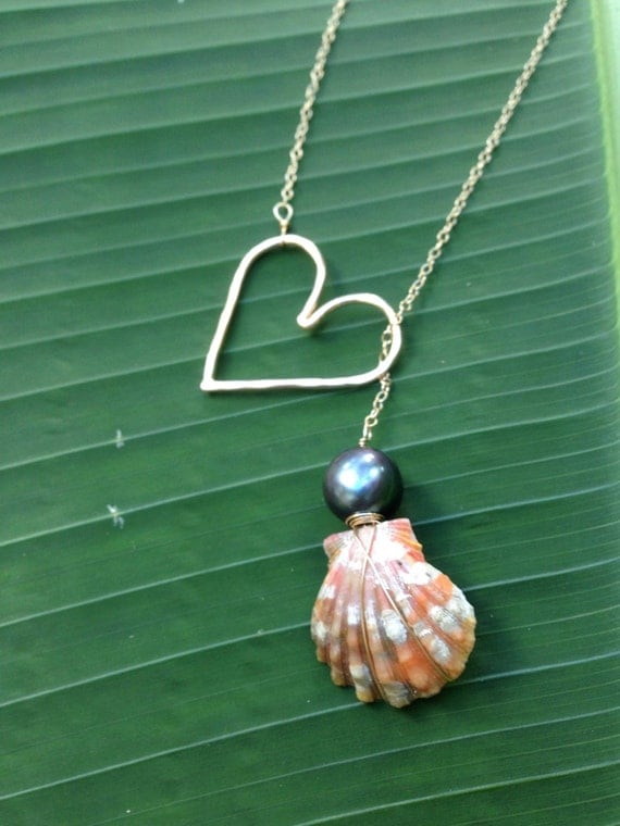 Open Heart & Black Pearl Sunrise Shell Necklace