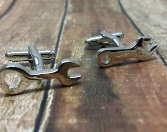 Mechanic Cufflinks- Mens Cuff links, Wrench cufflinks, with a Gift Box - Gear head