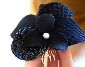Wedding hair comb Black flower hair comb Navy blue hair flower Wedding headpiece Black fascinator Wedding hair accessory