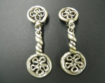 "Vintage ""Metal Pointus"" Paris pewter clip on earrings made in France"