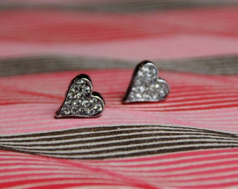 Silver Heart Sparkle Posts!