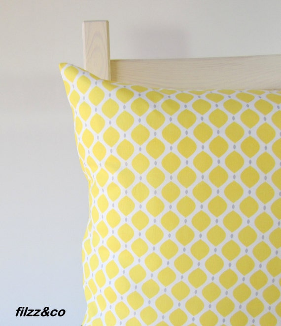 kissen kissenbezug kissenh lle gelb grau citron von filzzundco. Black Bedroom Furniture Sets. Home Design Ideas