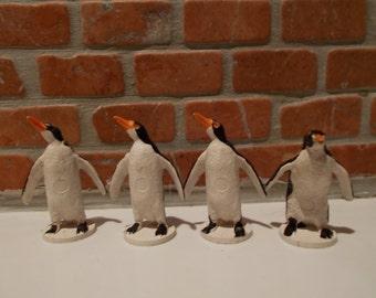 Britains Set Of 4 Vintage Plastic Penguins 1970's