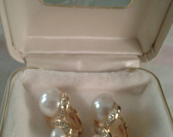 MIB VAN DELL goldtone clip on earrings.  Faux pearls with rhinestones.  Excellent condition.  Don't think they have ever been worn..