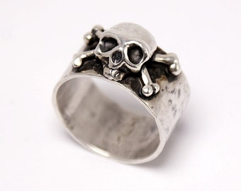 Dust N' Bones - 100% Sterling Silver Ring - Rocker Ring - Handmade Jewelry - Skull Ring