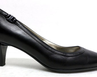 Vintage Black Ferragamo Size 8 C or Wide Pumps, Heels or Shoes