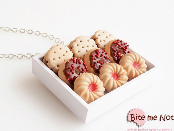 Mini Food Bakery Tray Necklace, Donuts Tray, Polymer clay Sweets, Miniature Food, Food Miniatures, Food Jewelry, Cute Jewelry