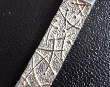 Abstract elongated Drift pendant silver Ola Gorie Orkney
