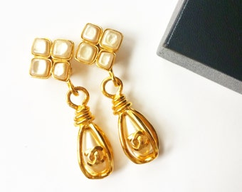 Authentic Vintage Rare Chanel Faux Pearl Gold CC Dangle Clip on Earrings
