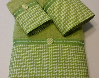 Lime Green and White Houndstooth Bath Towel Set (Ready To Ship)
