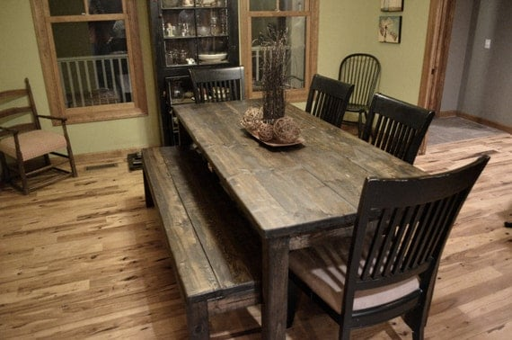 Upcycled rustic furniture for your modern home for Upcycled dining table