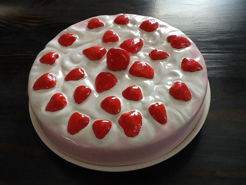Strawberry Pie Covered Pie Plate Vintage Pie Plate