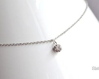 Pendant silver metal rhinestone necklace
