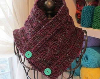 Crocheted Cabled neckwarmer