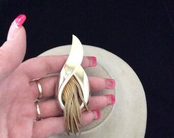 Vintage Large Goldtone & Dangling Tassle Pin
