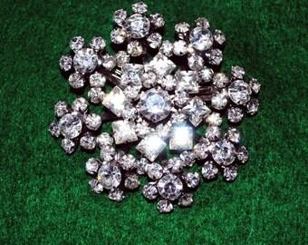 Vintage 1950's Silver Tone Round Flower Brooch