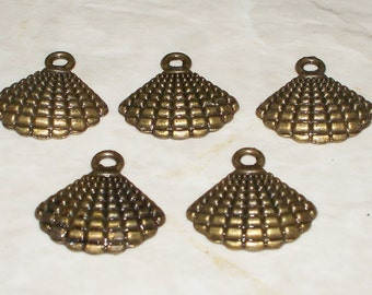 5 Antiqued Bronze Seashell Charms