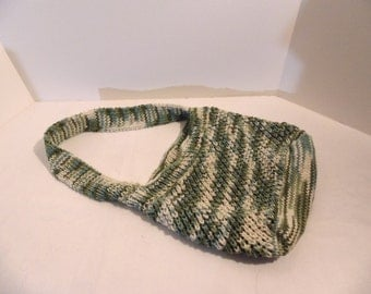 Knitted French market bag, green and white cotton yarn