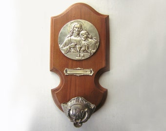 """Antique holy water font, Sacred Heart of Jesus/Eucharist religious medal, wood, brass, 8.27""""."""