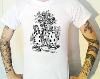 Alice In Wonderland Playing Cards Men engraving T-Shirt.Victoriana Lewis Carroll