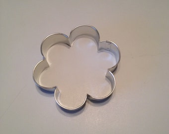 Large Scallop Edge Cookie Cutter