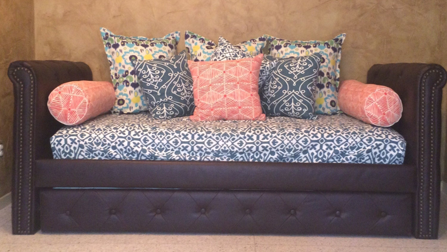 Fitted Daybed Cover In Twin Twin Xl And Full Customize