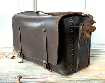 VINTAGE french SNCF leather tool bag / electricians bag. French national railroad work bag. Man bag. Artist bag.
