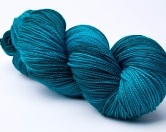 Baah La Jolla Yarn Color Singin The Blues Hand Dyed Premium Artisan Yarn!    400 Yards!