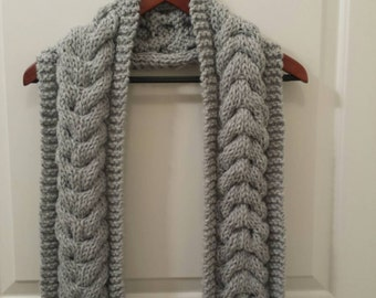 Cabled Scarf - Gray