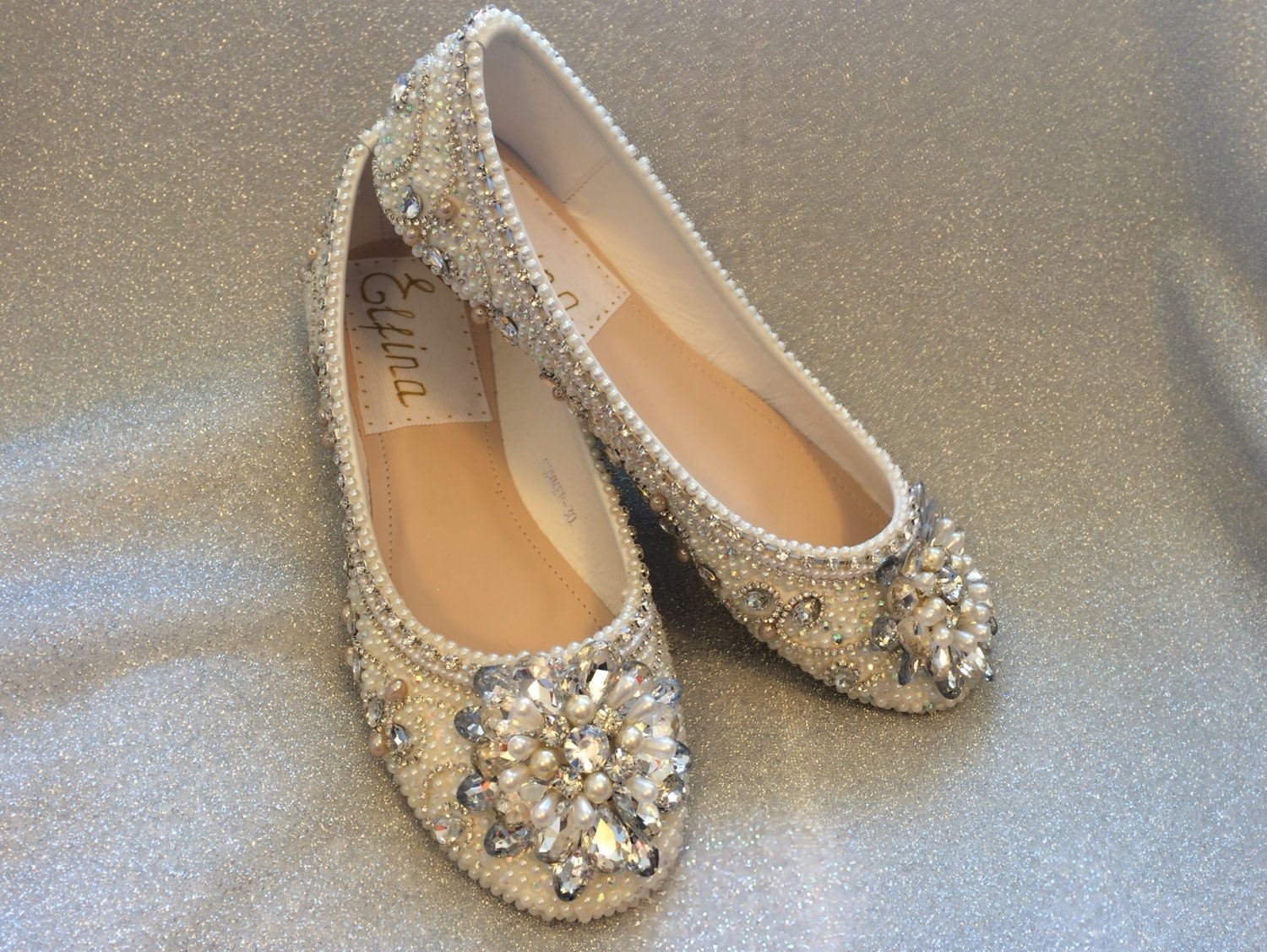 Let Dillard's be your destination for your wedding and reception footwear needs, available in regular and extended sizes from all your favorite brands. Find Badgley Mischka, kate spade new york, Vince Camuto, Jessica Simpson, and more at Dillard's.
