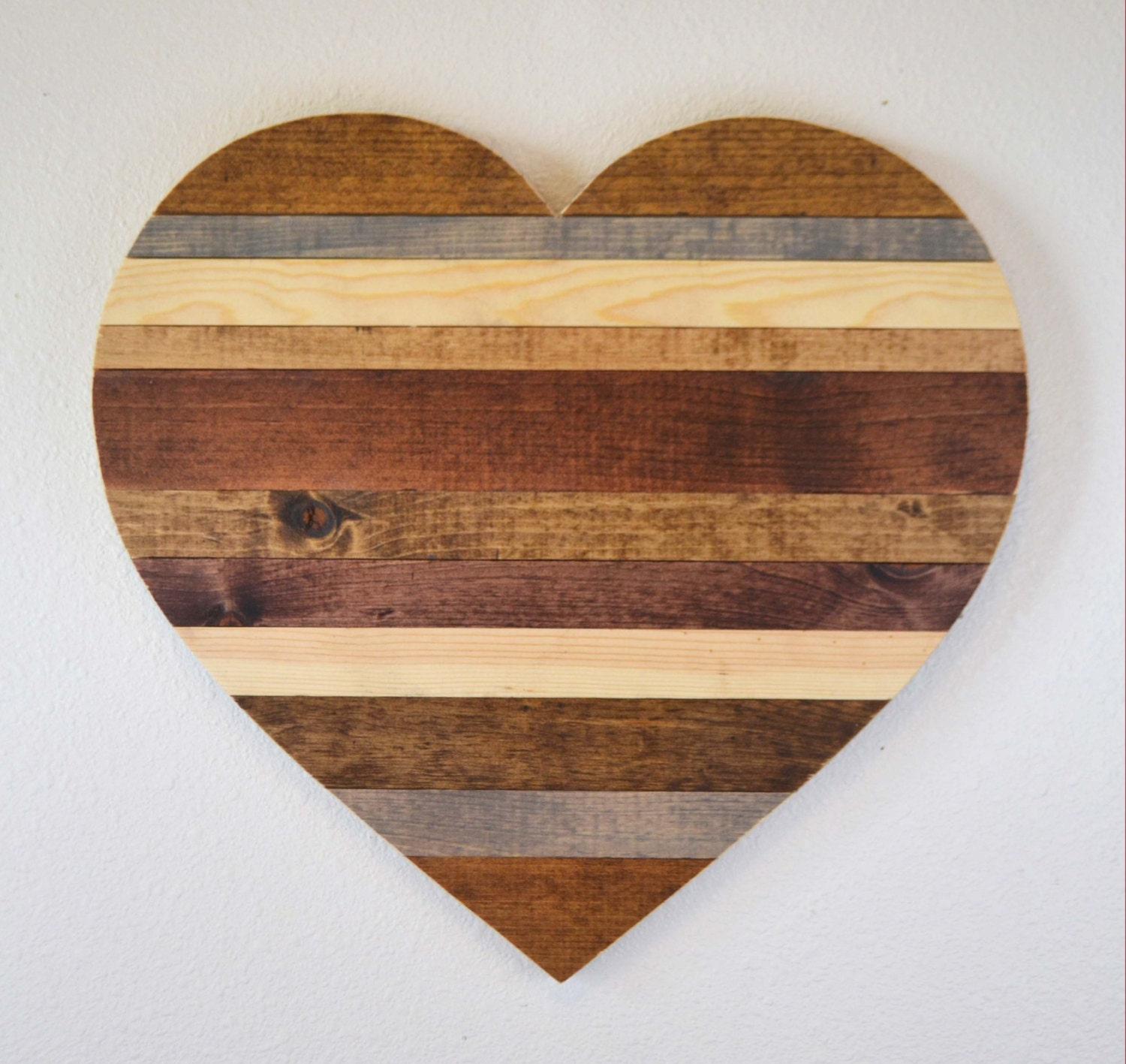 Rustic wooden heart rustic home decor rustic by mintagedesigns for Wooden art home decorations