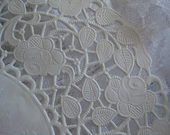 """8"""" inch Off White Ivory ROSE LACE  Paper  Doily 25 Pcs Round  DIYS Wedding  Invitations Crafts  Wraps"""