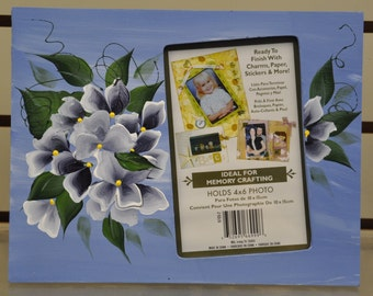 7 x 9 Free standing picture frames, Blue hydragea OR Ivy