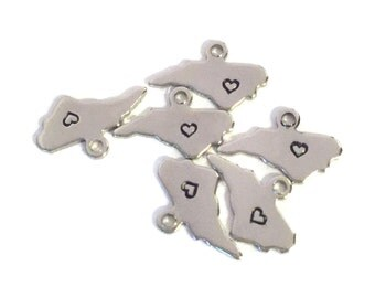 2x Silver Plated North Carolina State Charms w/ Hearts - M070/H-NC