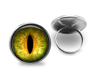 Cats Eye Ring, Creature eye, 1 inch (25mm)Dia - Antique Bronze Ring, Silver Plated Ring.