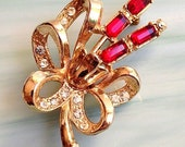 Stunning Unsigned Ruby Red (emerald cut) Rhinestone on Gold Floral w/ Bow Pin