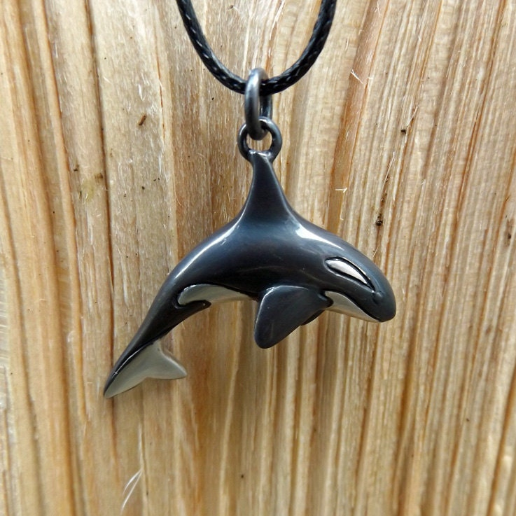 orca or killer whale necklace silver pendant