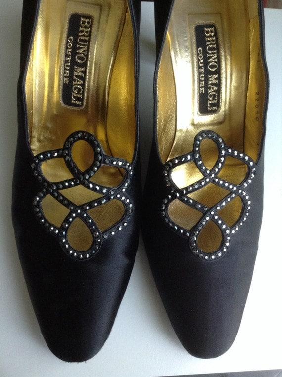 Vtg BRUNO MAGLI Couture Black Satin Crystals Embellished Shoes sz 7.5 Med Heels